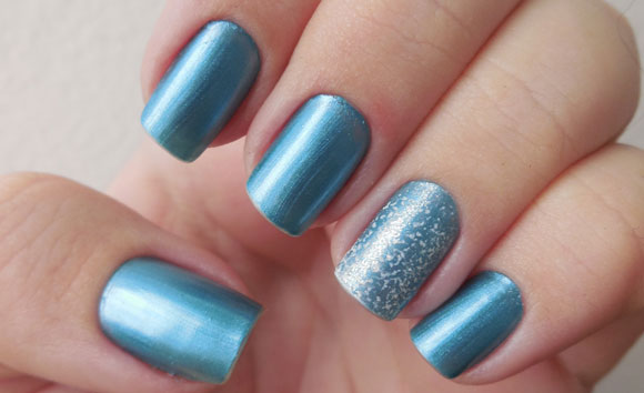 essie-beach-bum-blu3