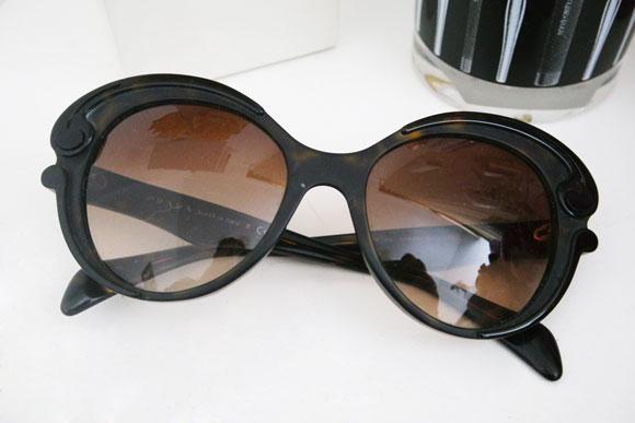 óculos de sol favoritos-prada-burlesque-coenexao-carioca-elfinha